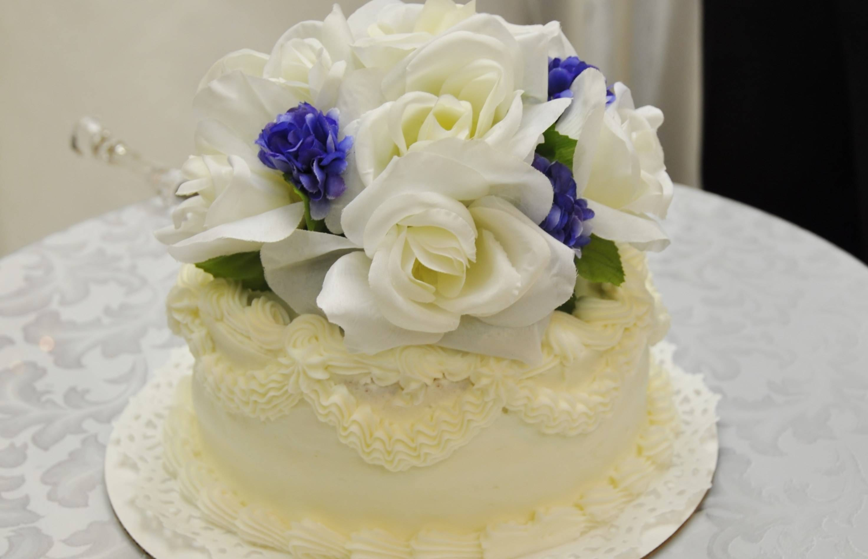 Flowers And Cakes